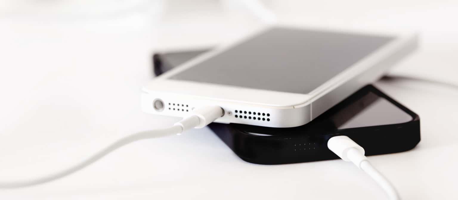 Twój telefon nie ładuje, bądź przerywa proces ładowania?