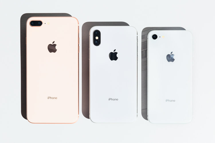 Changing back panel in iPhone 8, iPhone 8 Plus, iPhone X, XR, XS