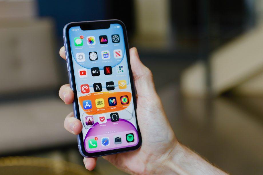 iPhone 11 podatny na zarysowania? Coraz więcej użytkowników narzeka na problem